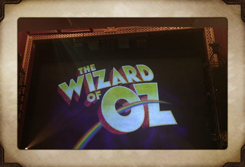 Fly curtain for The Wizard of Oz